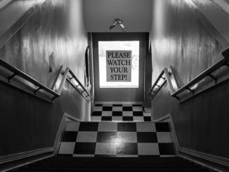 stairs-863132_640